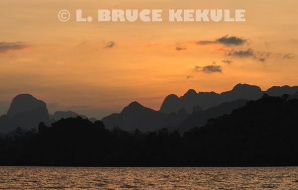 Sunset-Khlong-Saeng